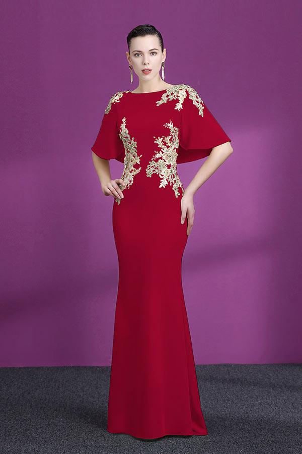 robe de soirée sirène rouge en dentelle appliquée dorée avec manche cape