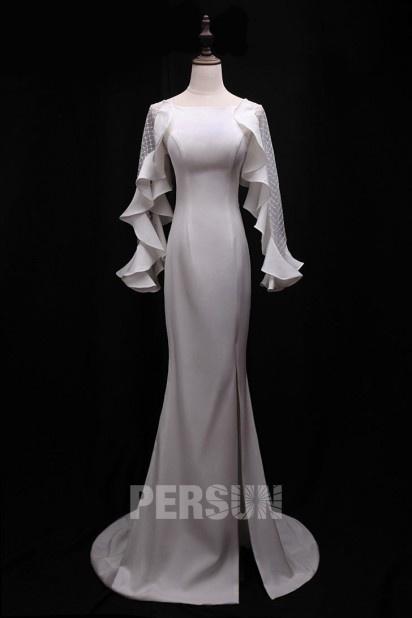 Robe de soirée blanche fendue avec manches longues transparentes à volants