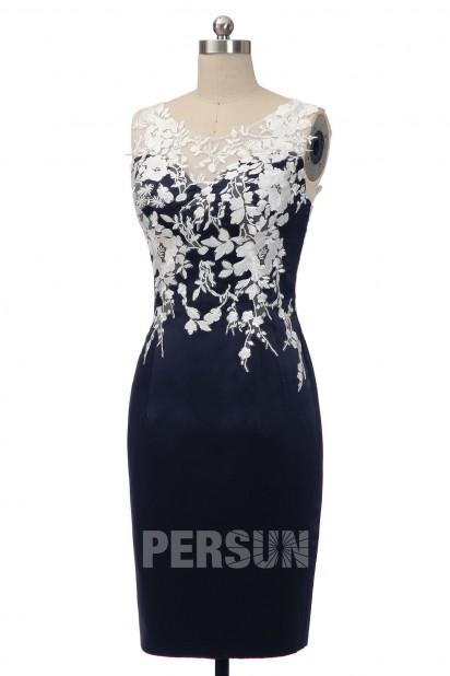 robe de soirée bleu fourreau appliqué de dentelle florale