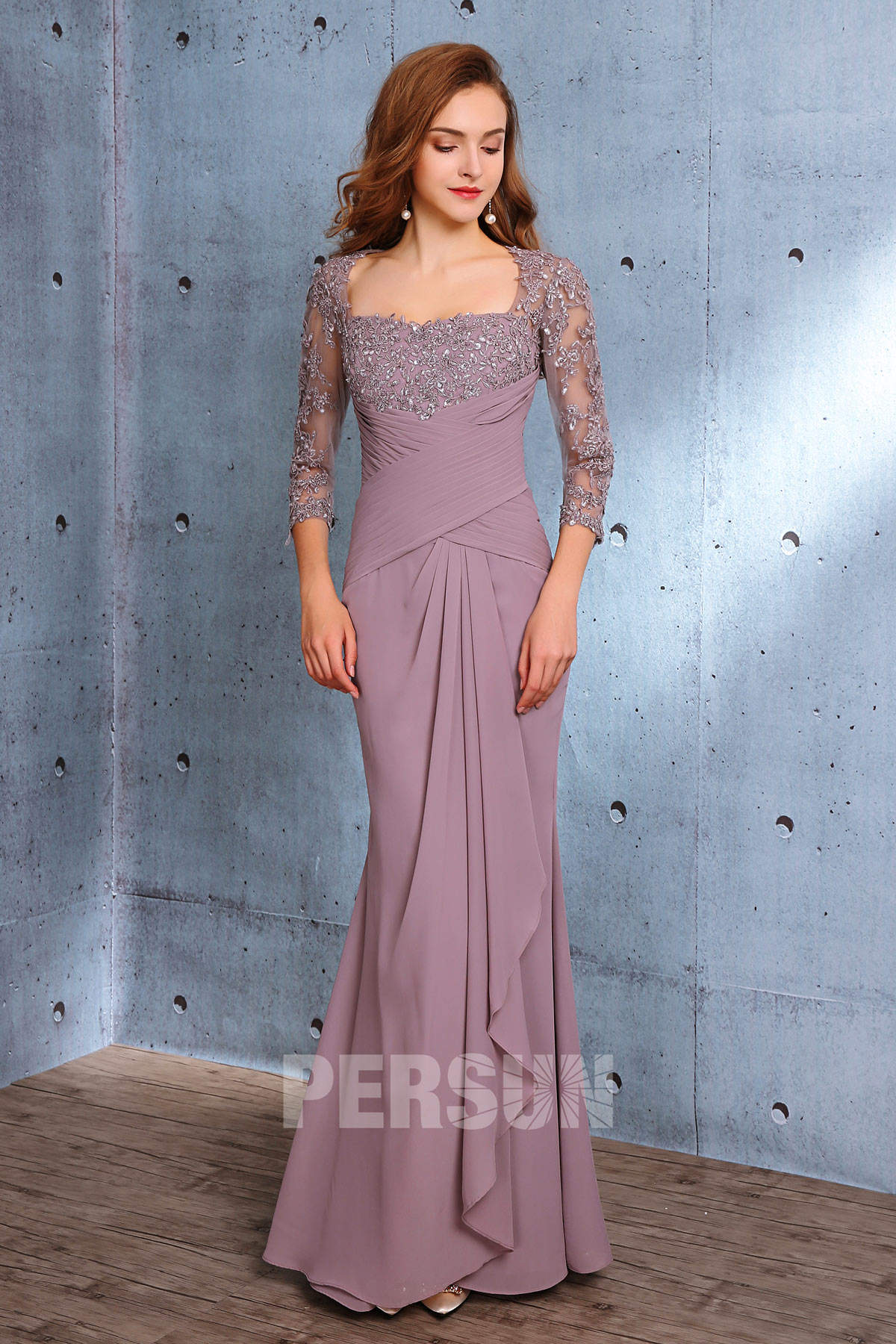 robe longue parme sirène à manche dentelle avec drapé sur la jupe