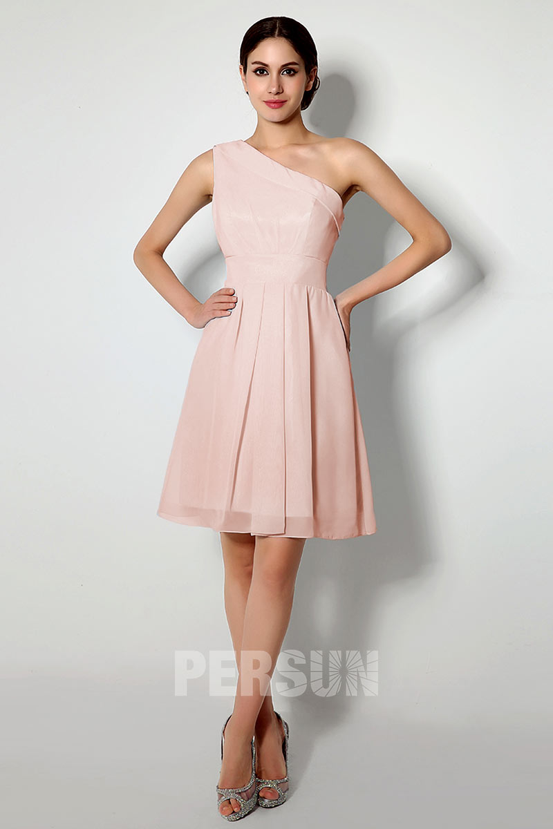 robe de cocktail courte simple asymétrique rose pâle