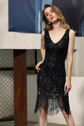 Petite robe cocktail noir pailletée avec franges tendance 2020
