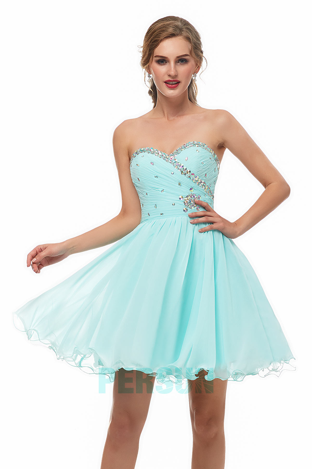 robe cocktail patineuse turquoise clair bustier coeur ornée de strass