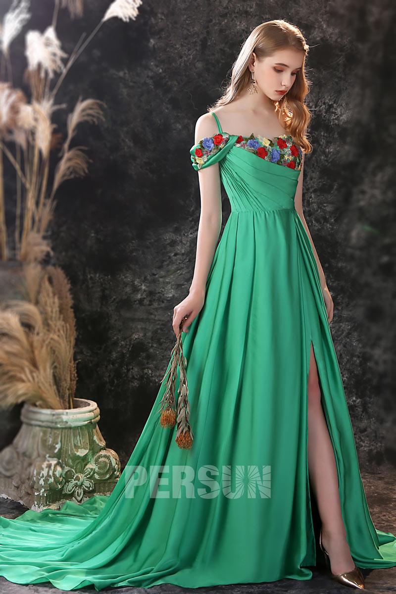 robe soirée verte fendue encolure brodée de fleurs à bretelles