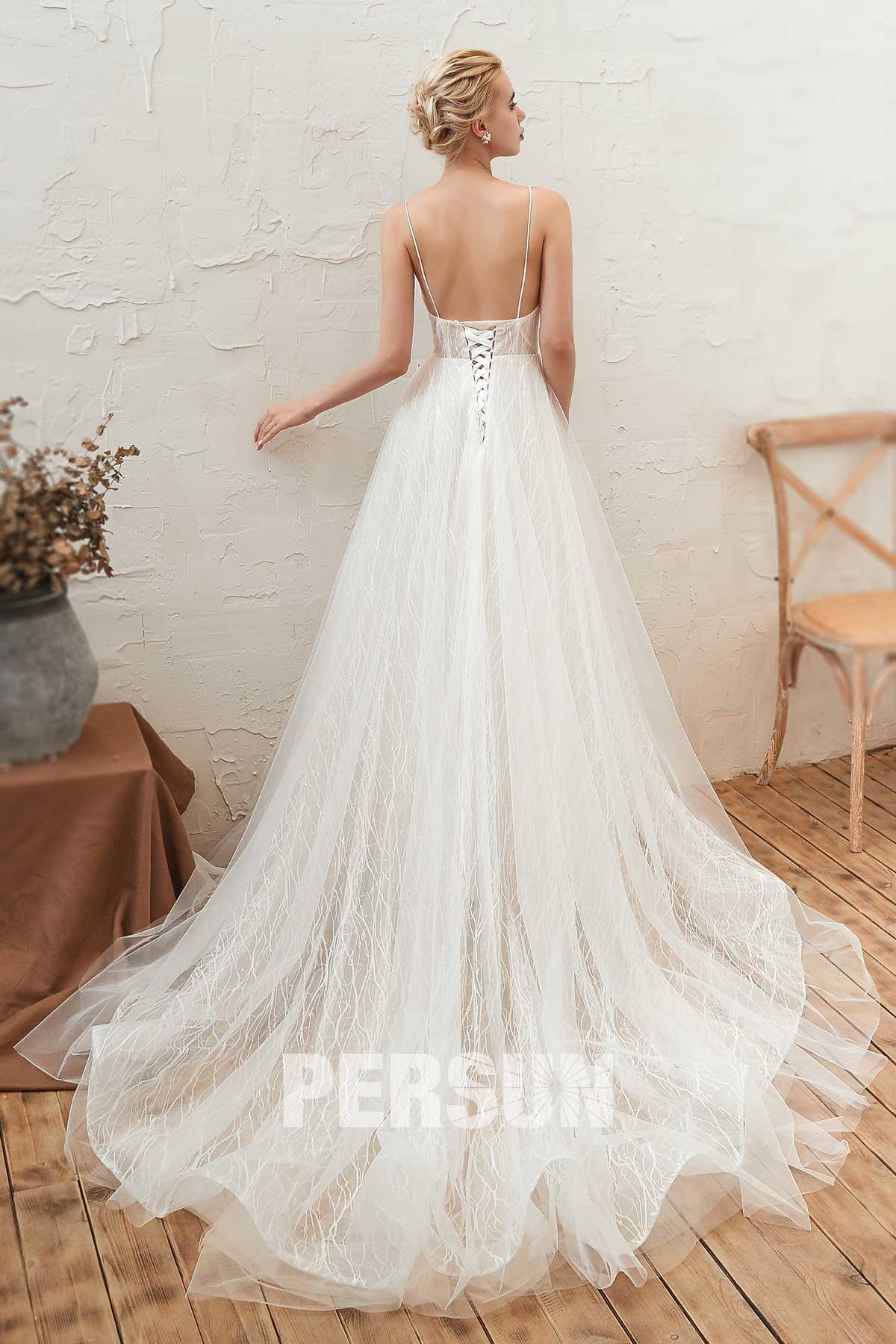 robe de mariée en dentelle dos nu avec bretelle fine