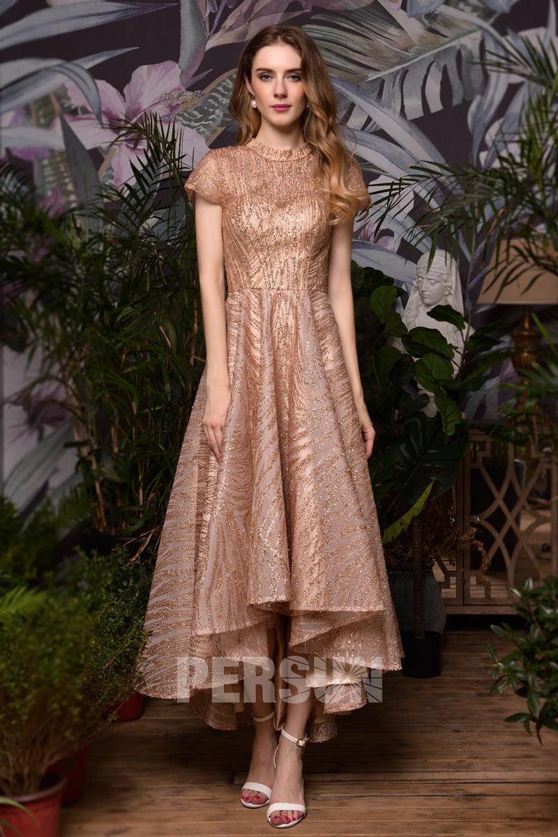 robe de soirée courte devant longue derrière rose dorée pailleté avec manche courte