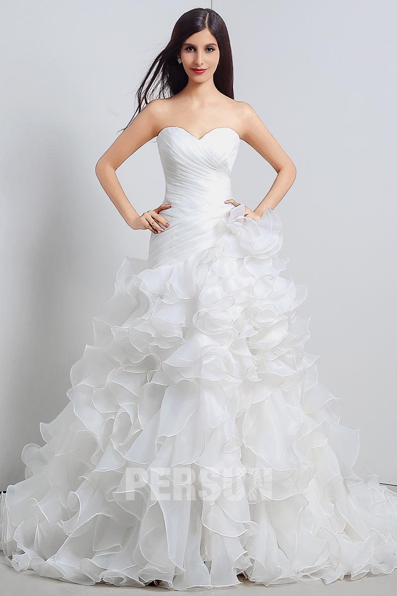 robe de mariée trompette en organza bustier coeur à jupe volantée