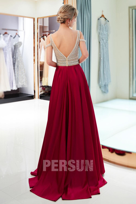 robe de soirée longue bordeaux champagne dos ouvert épaule dégagé embelli de bijoux