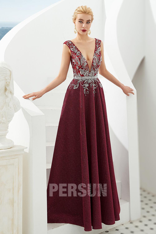 robe de soirée bordeaux longue encolure en v plongeant embelli de strass