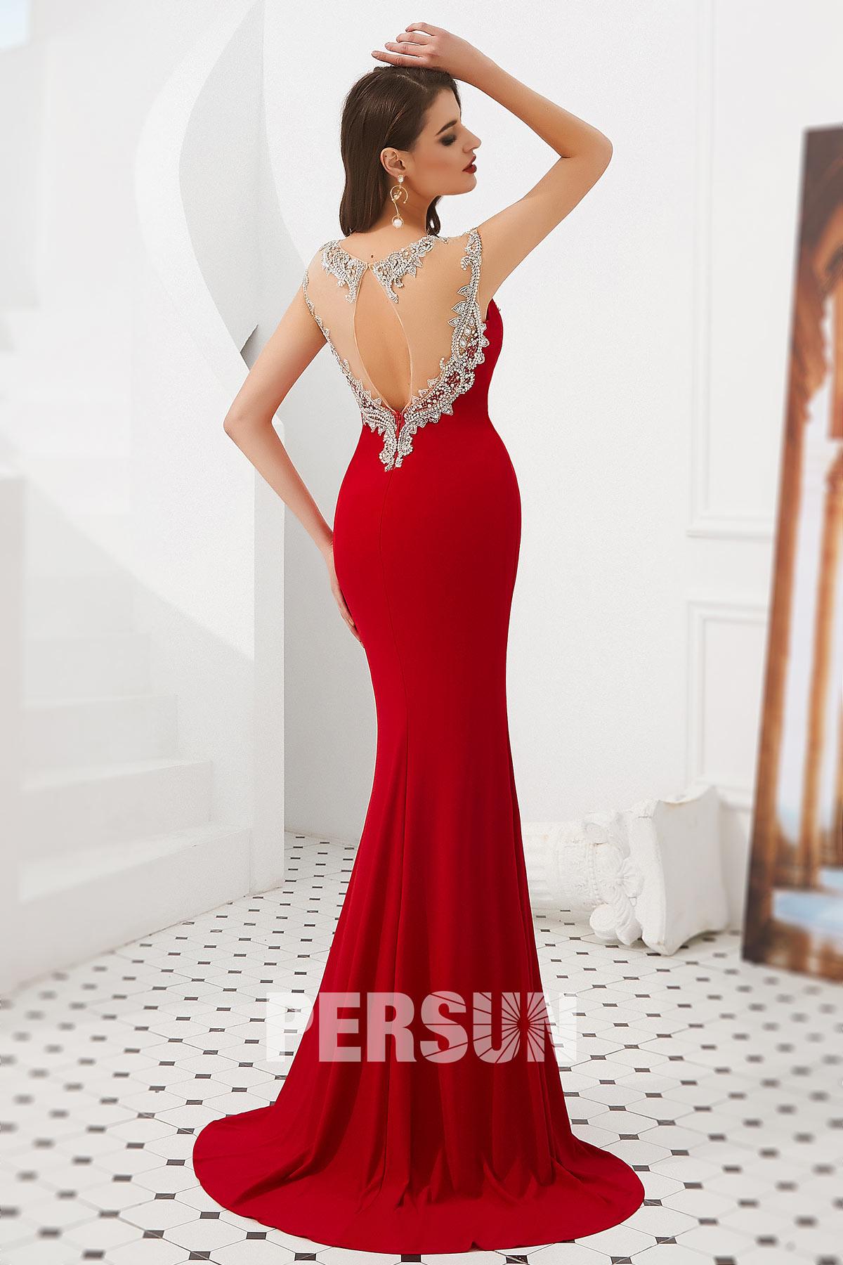 Robe soirée 2020 sirène rouge à encolure brodée bijoux