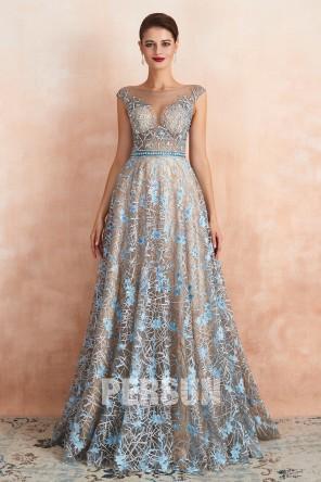Magnifique robe de cérémonie dentelle bleu argenté taille transparent appliqué