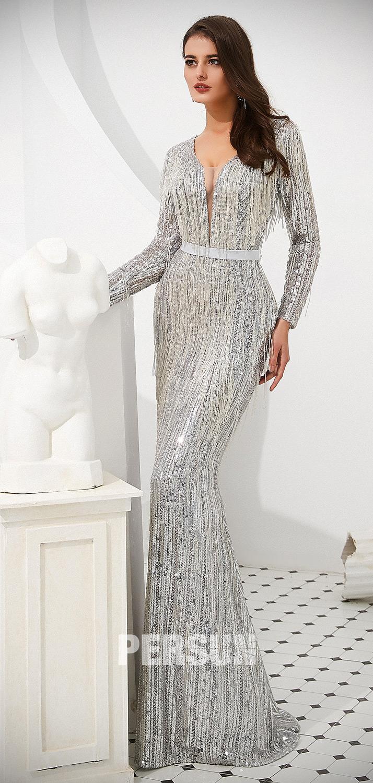 robe sirène 2020 en sequins argenté encolure en V avec manche longue embelli de franges