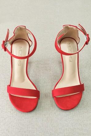 Sandales à talons rouge suédé pour soirée