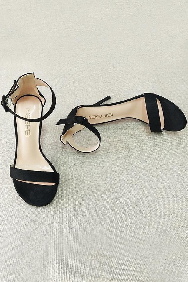 sandales noire à talon haut suédé pour soirée