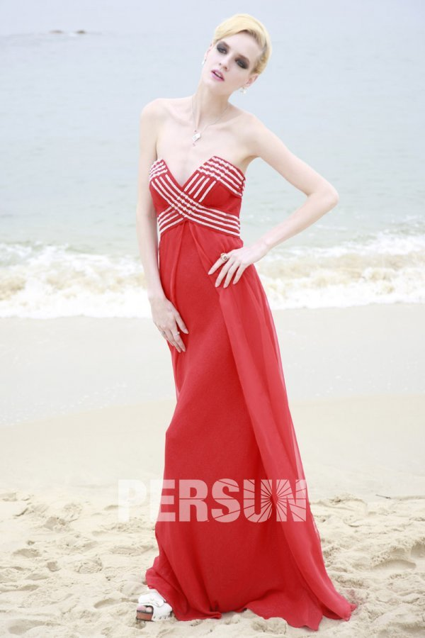 Robe soirée rouge empire stras à col V sans bretelle
