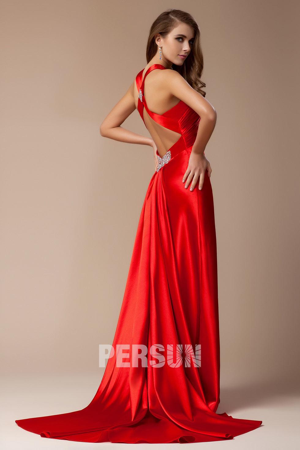 Robe rouge soirée moulante & dos découpé col V ornée de strass