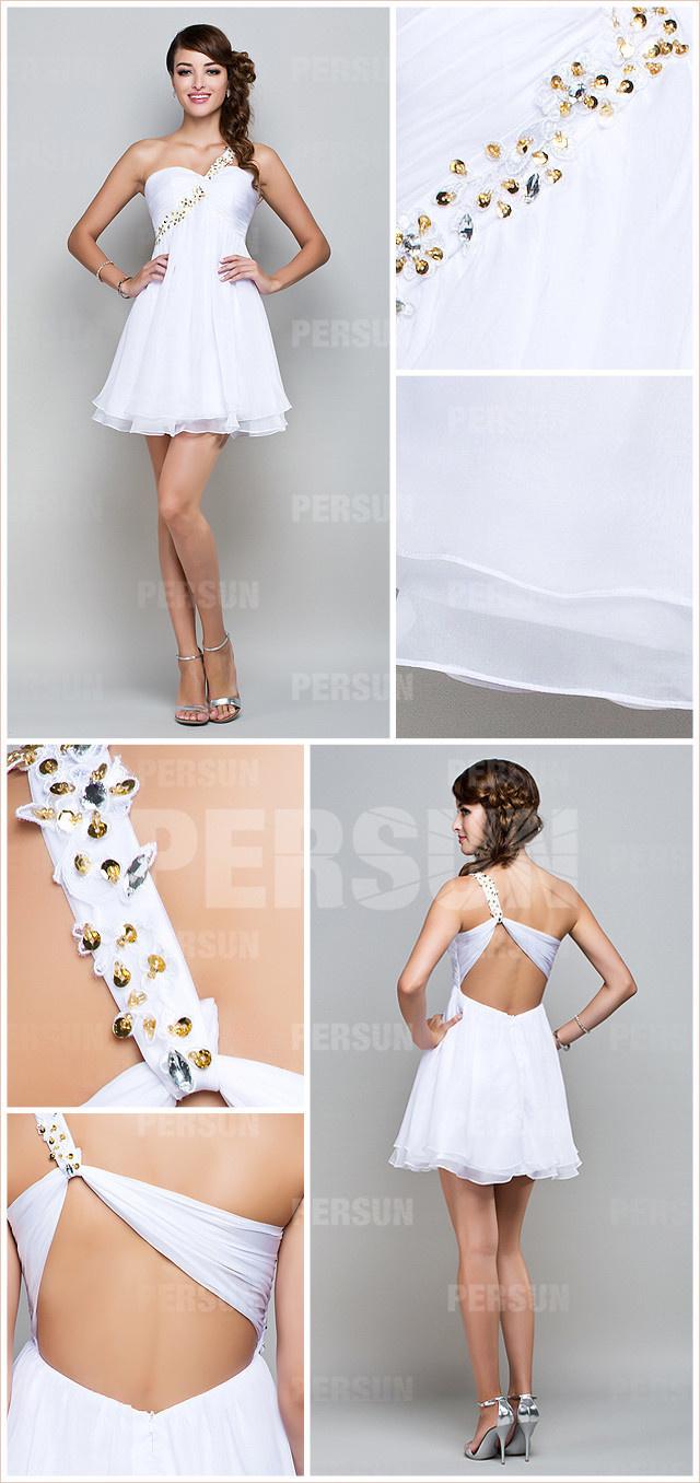 robe blanche pour mariage asymétrique orné de strass dos découpé