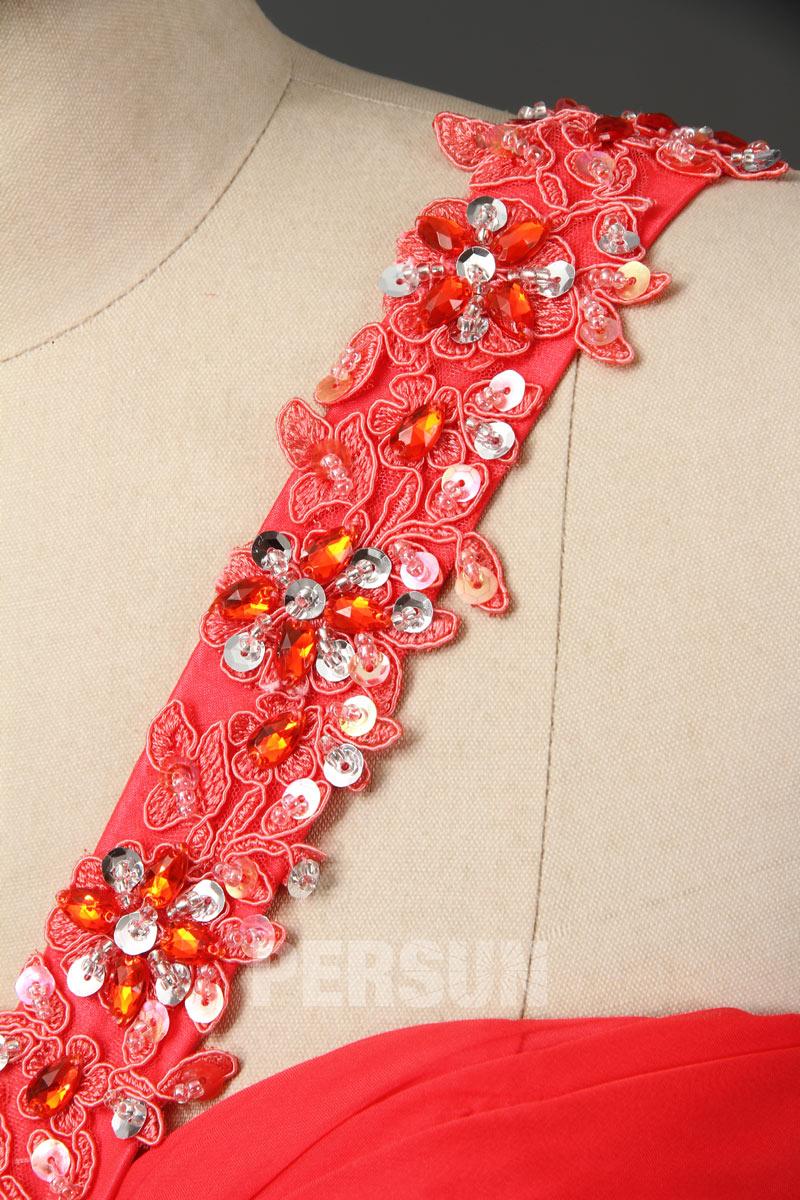 Robe bal courte asymétrique ornée de bijoux épaule asymétrique