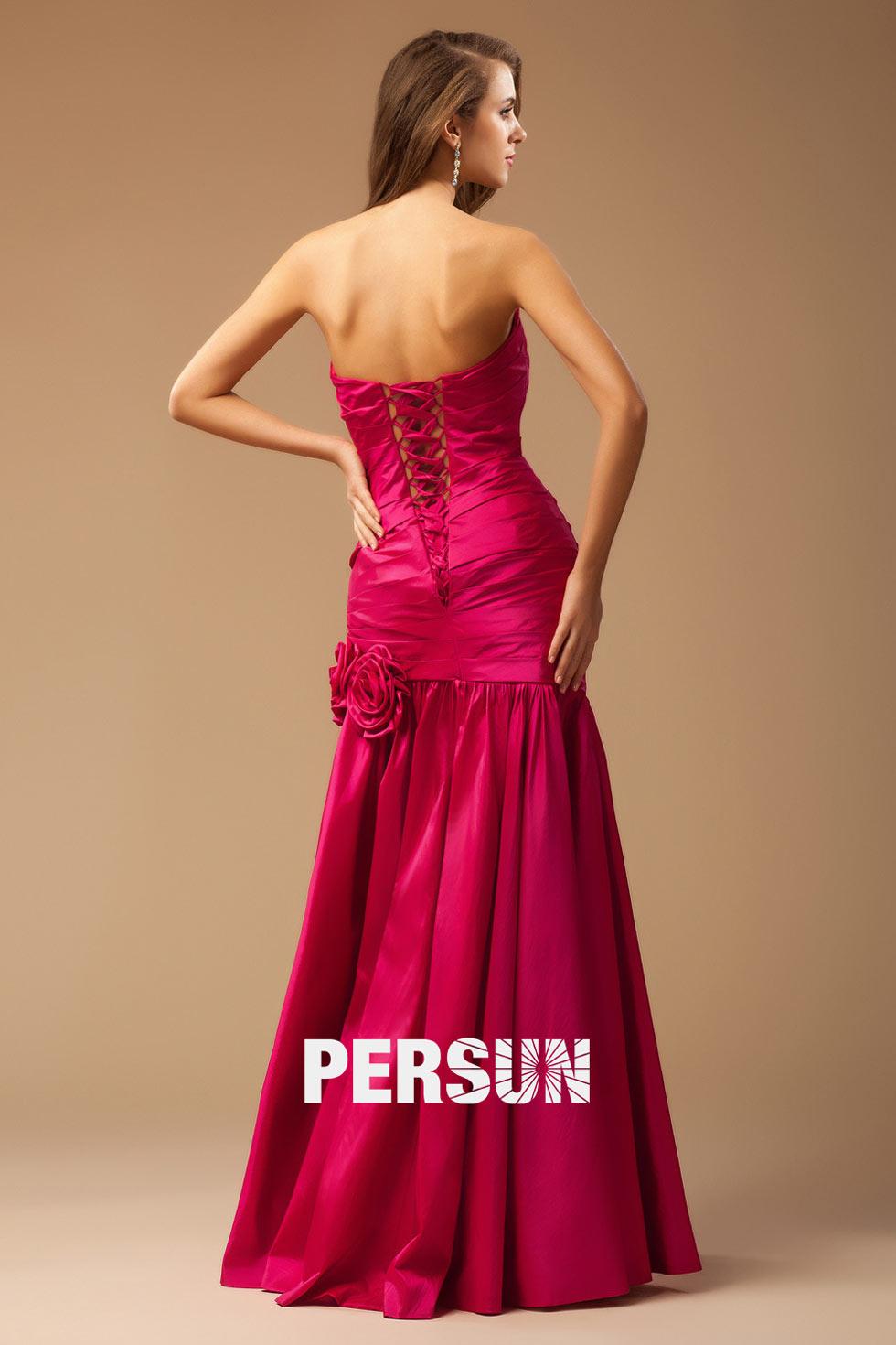 Robe rose fuchsia trompette ornée de fleurs en mousseline pour gala