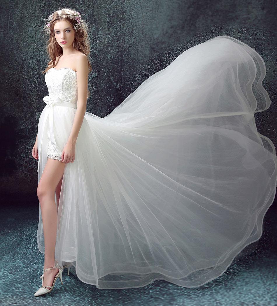 robe de mariée courte devant longue derrière en tulle