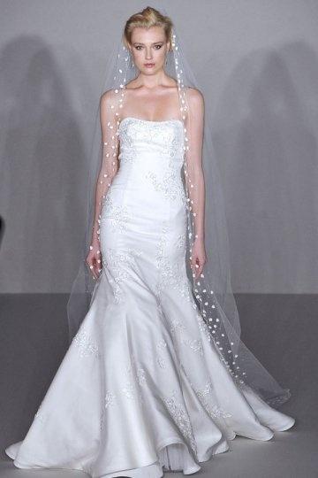 Robe de mariée sirène sans bretelle à traîne Court en satin