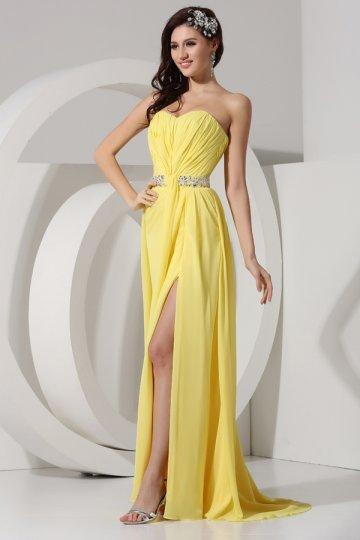 3c067c73779 Robe de bal jaune sans bretelle décolletée en coeur avec fente frontale