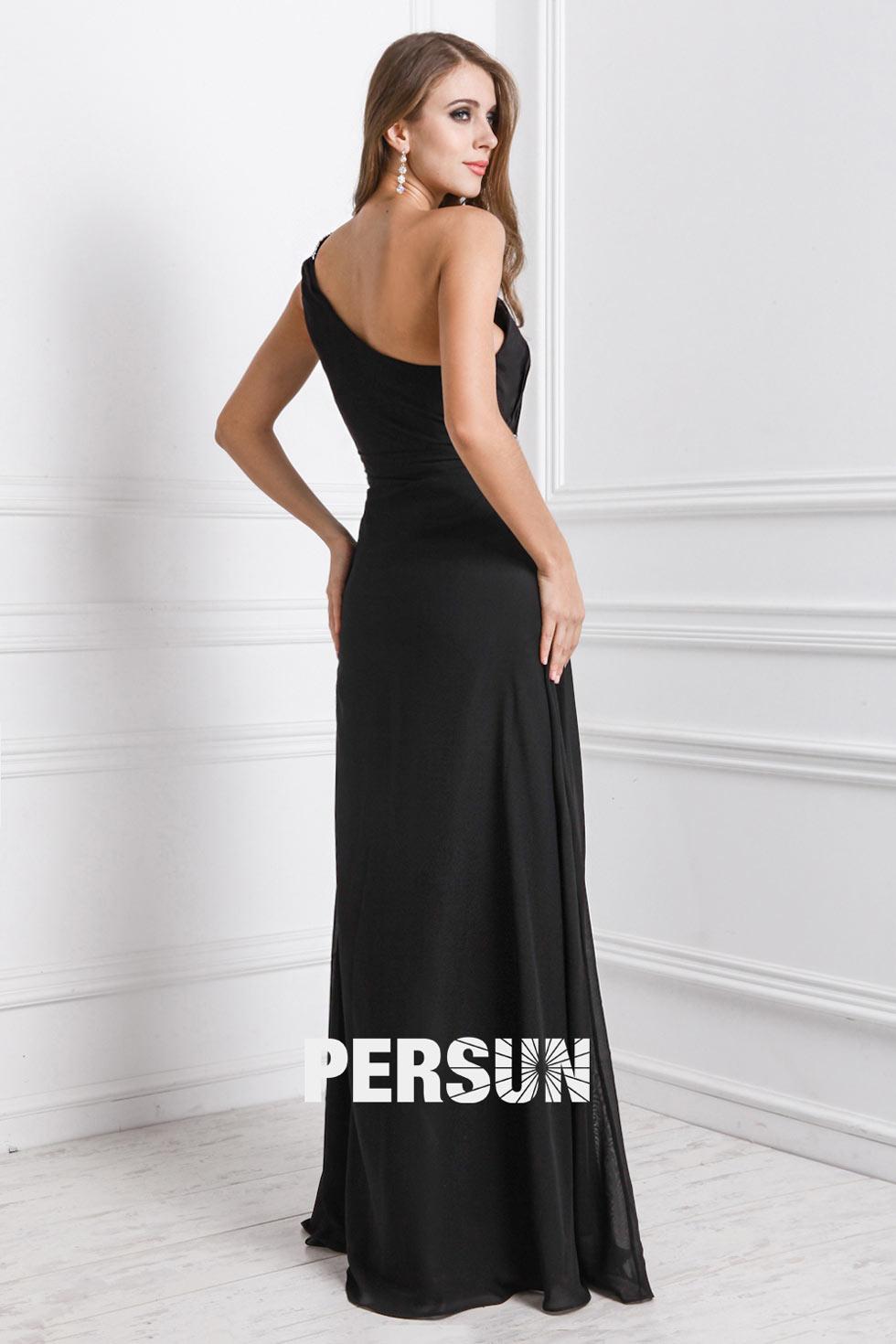 robe noire sobre longue pour soirée