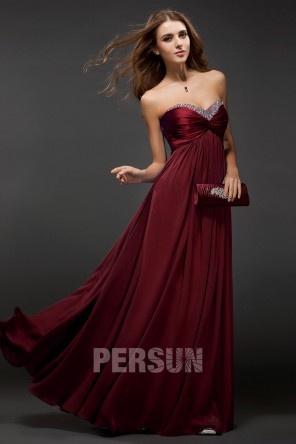 Robe de soirée prune longue ligne A décolletée coeur empire en Mousseline