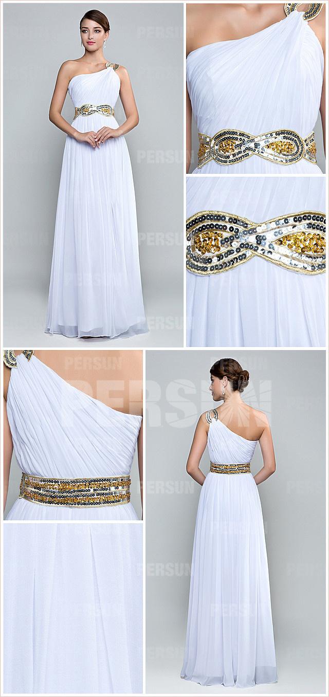 robe de soirée longue asymétrique blanche à bijoux