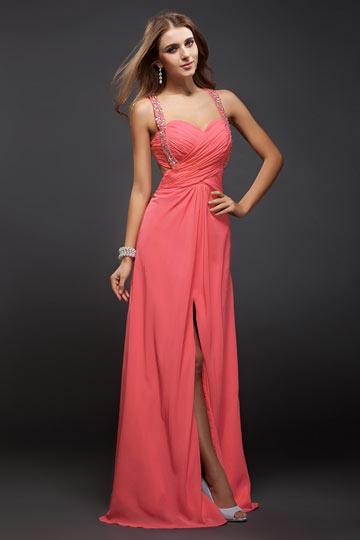 robe de soirée corail fendue avec bretelle orné de strass