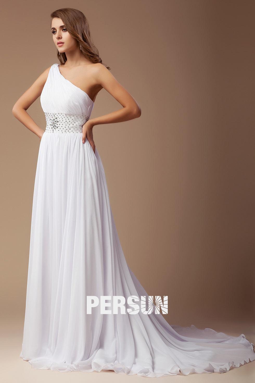 robe de soirée blanche avec traîne courte