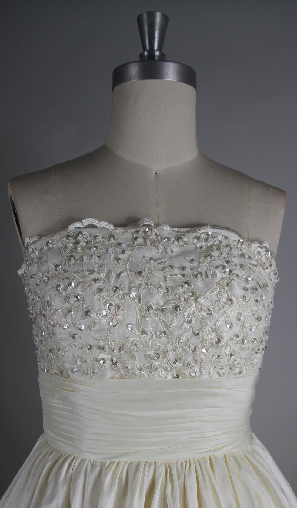 bustier travaillé de la robe de mariée persun