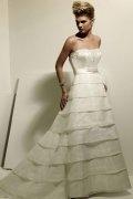 Pinsel Schleppe A Linie trägerloses Perlen verziertes gefaltetes Brautkleid