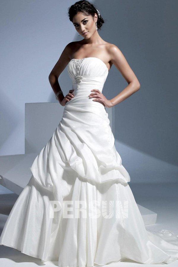 Robe de mariée plissée à traîne Chapelle pour silhouette A en taffetas sans bretelle