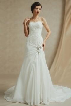 Robe mariée délicate et fraîche froncée au niveau de la hanche