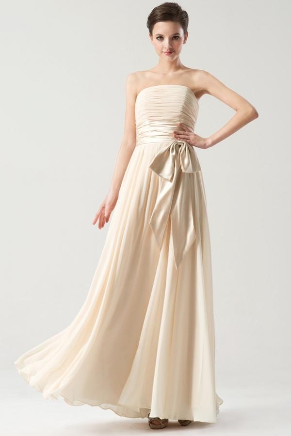 robe de soirée longue simple champagne clair bustier droit avec ceinture noeud papillon