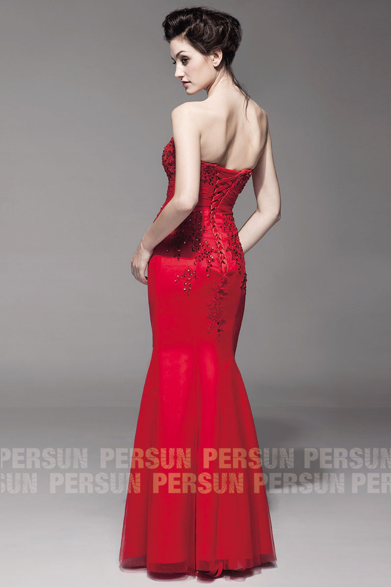 robe soirée rouge longue avec laçage au dos