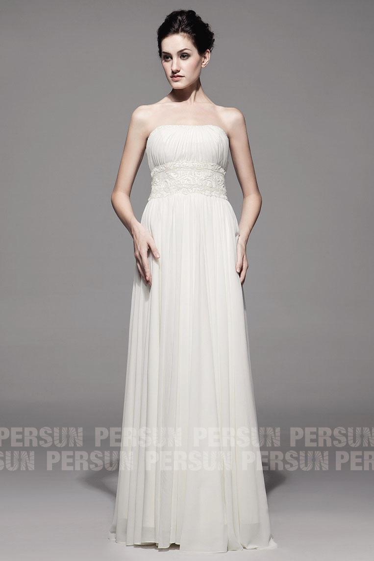 robe blancher longue vintage pour mariage ornée de broderies