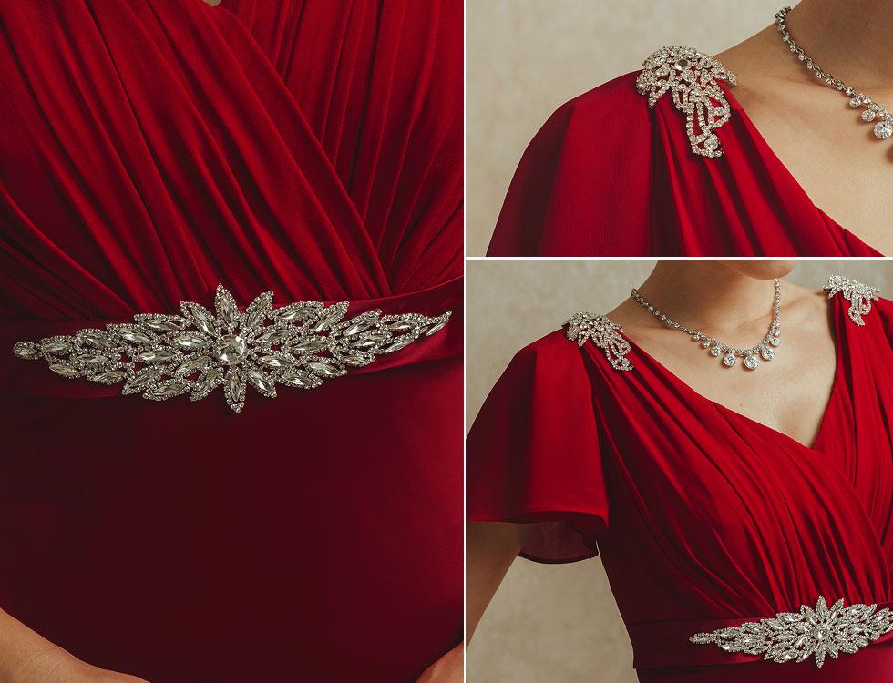 robe de soirée longue rouge à haut travaillé col V
