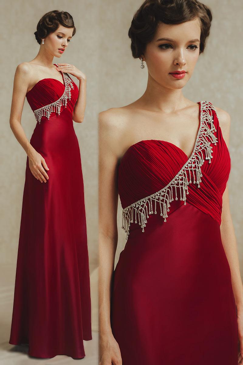 robe de soirée rouge asymétrique bustier plissé embelli de bijoux