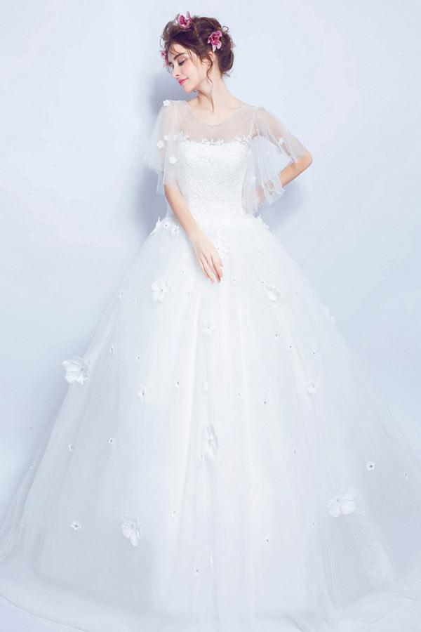 robe de mariée princesse col illusion en dentelle appliquée florale à manches