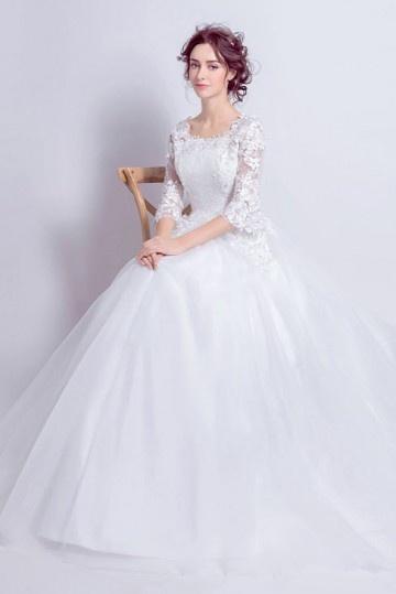Robe De Mariee Princesse Avec Manches Courtes En Guipure