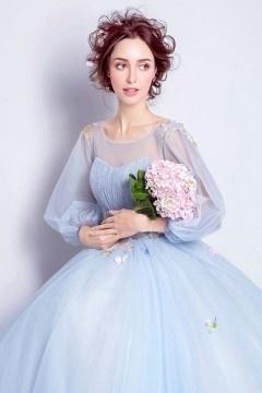 Robe de mariée princesse bleu clair & parme aux manches volumineuses