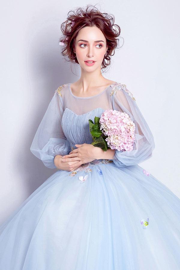 robe mariée bleu ciel avec manches volumineuses