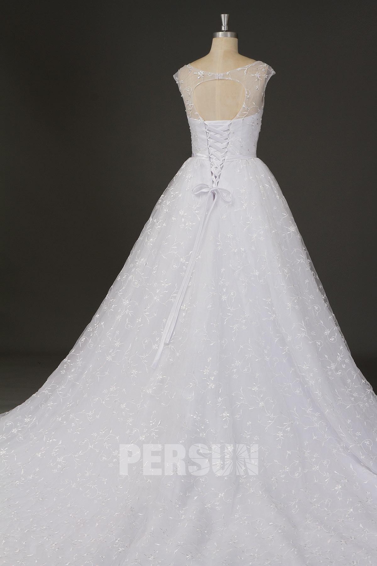 robe de mariée princesse en dentelle dos découpé