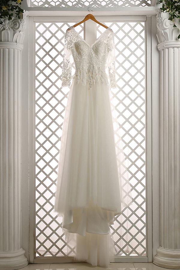 robe mariée bohème chic col V à haut dentelle avec manches