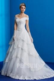 Luxuriöses Brautkleid mit nackter Schulter gerüscht mit Spitze applique und Perlen