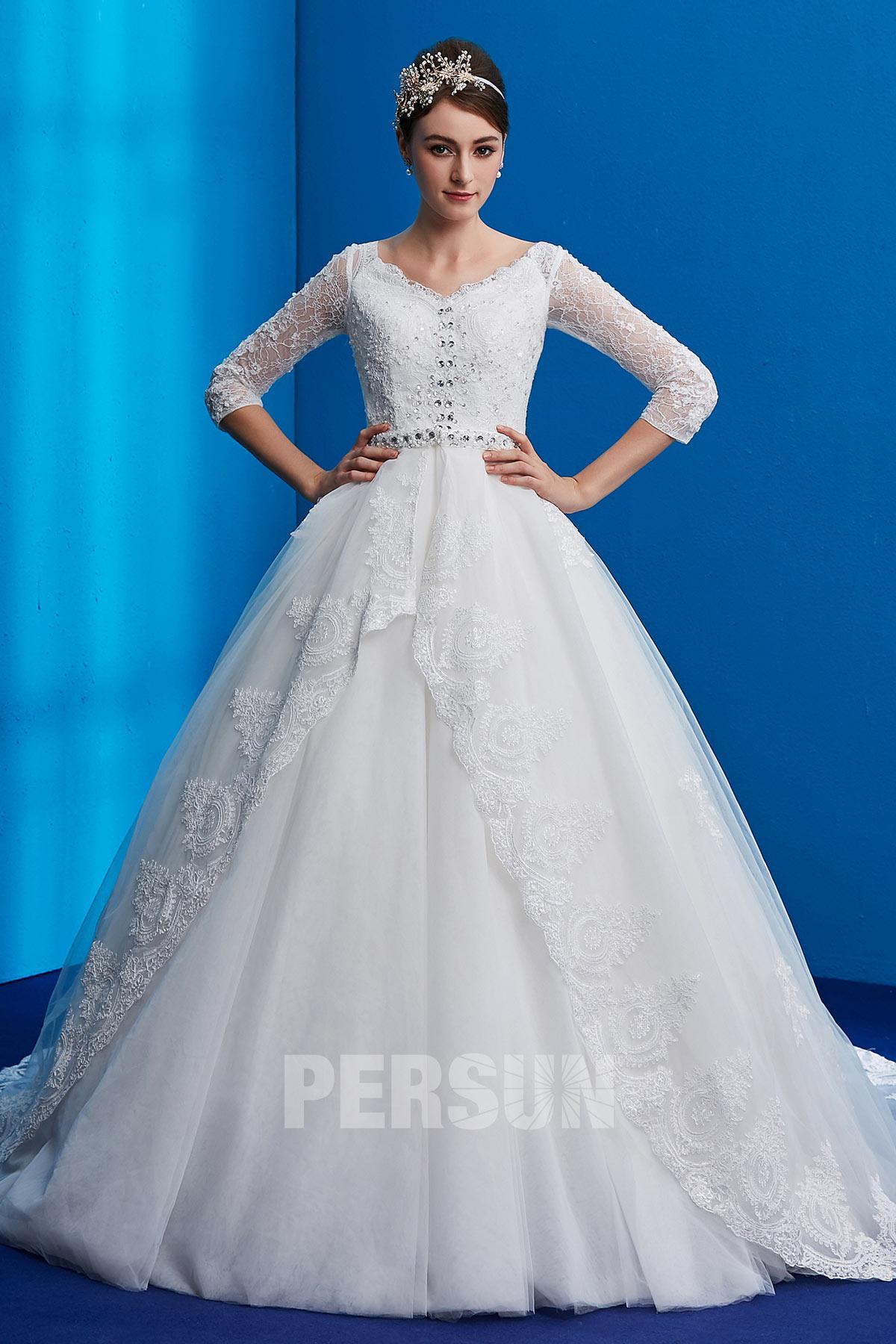 robe de mariée princesse appliquée de dentelle et de strass à manches