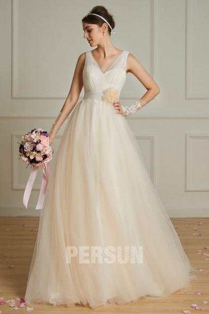 robe de mariée champagne col en V orné de fleur style bohème