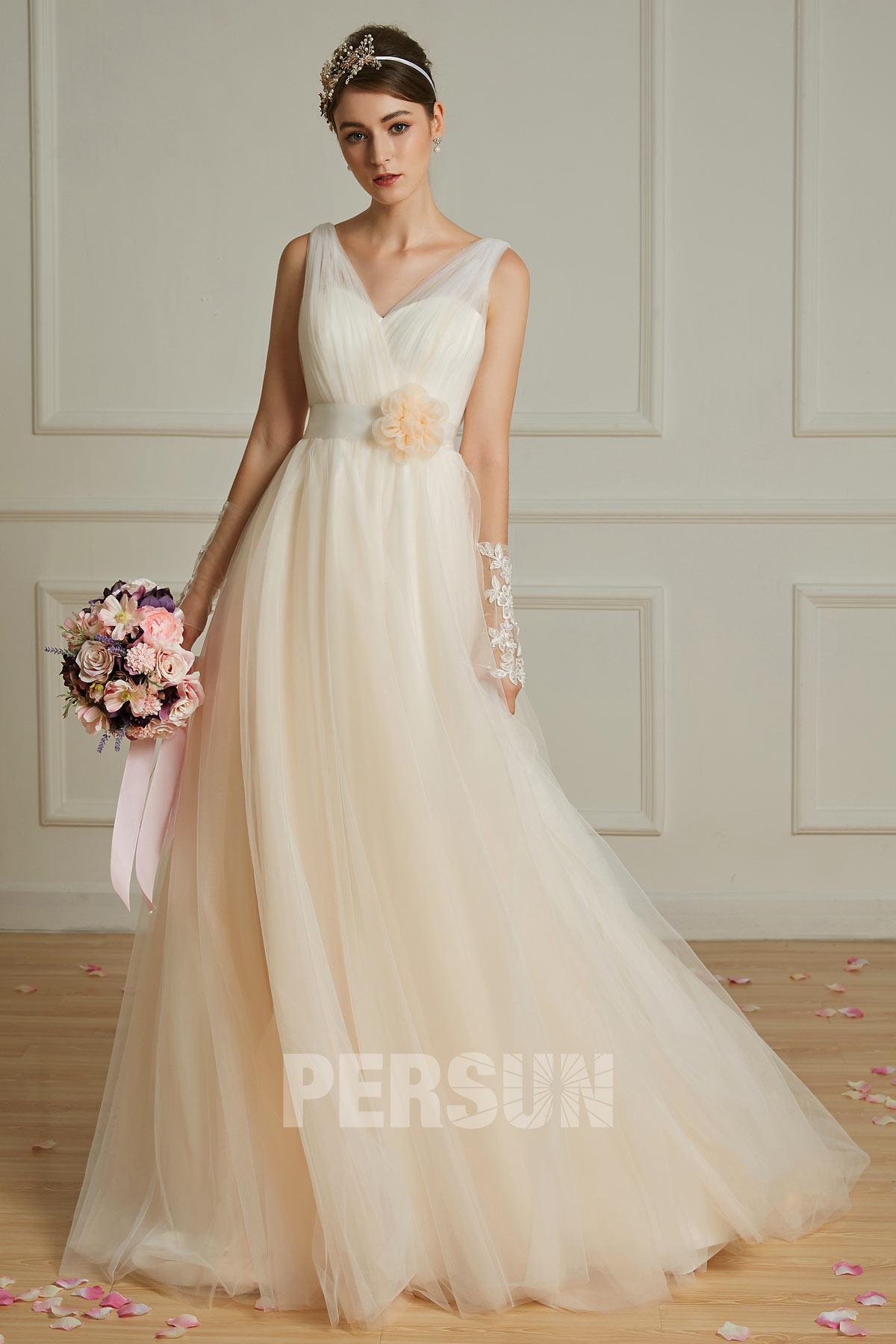 robe de mariée simple champagne clair dos en v à ceinture fleurie